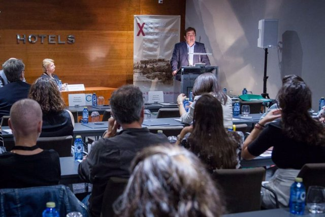 Vara en el Congreso de la Sociedad de Cancerología de Extremadura