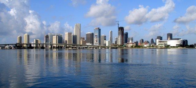 El Consulado venezolano reabrirá en Miami.