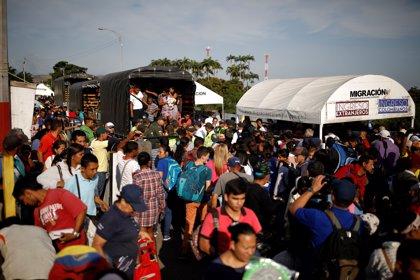 Venezuela anuncia la creación de la Policía Migratoria y el pago de pasaportes en petros
