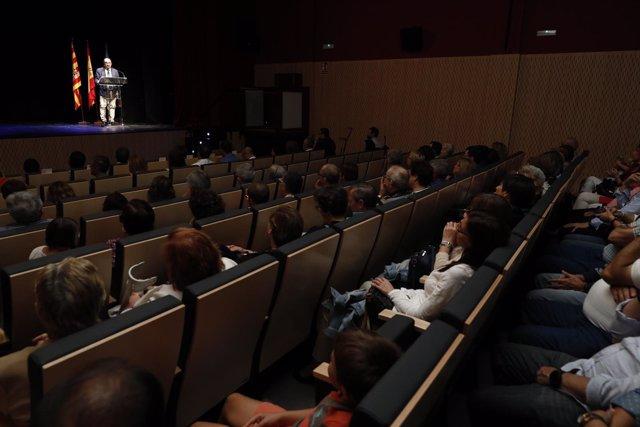 Lambán inaugura la reforma del Teatro Municipal 'Miguel Fleta' de Utebo