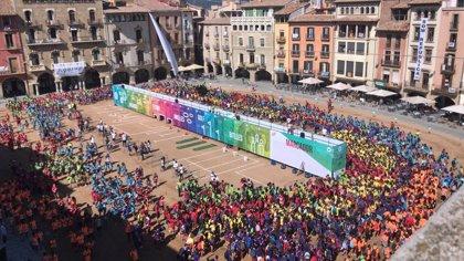 3.000 niños de las escuelas Vedruna protagonizan una maratón en Vic (Barcelona) por los refugiados