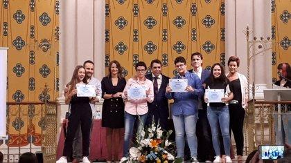 Cobo destaca la trayectoria del colegio San Joaquín de Linares (Jaén) y su apuesta por la economía social