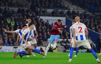 El Brighton gana y adelanta al West Ham