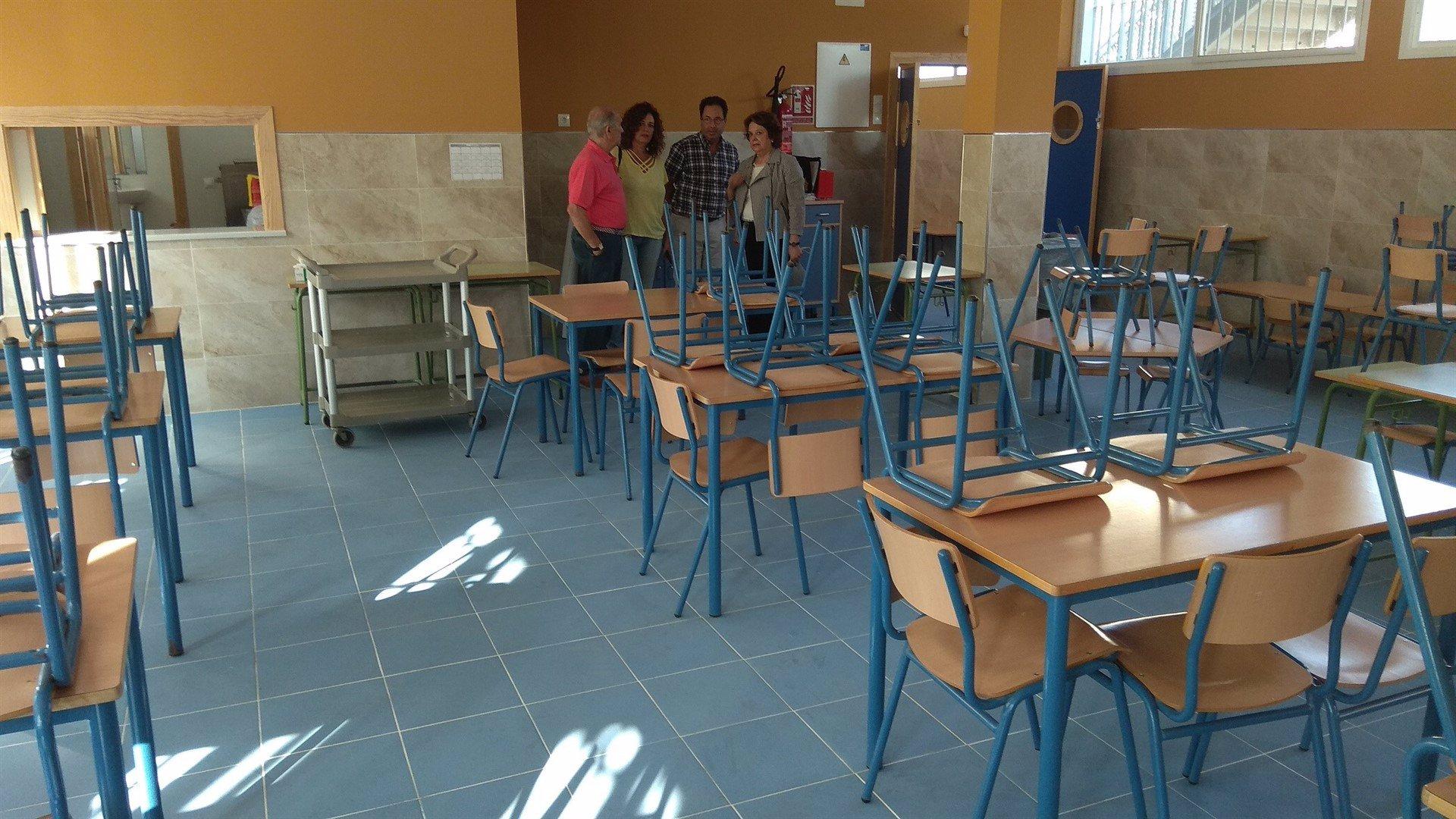 Los servicios policiales de vigilancia en los centros educativos de Baleares se redujeron en un 80 por ciento