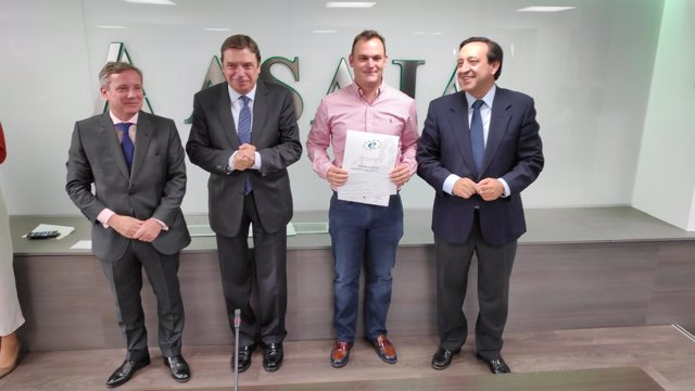 Rafael Muñoz ha sido galardonado con el premio Joven Agricultor Sostenible