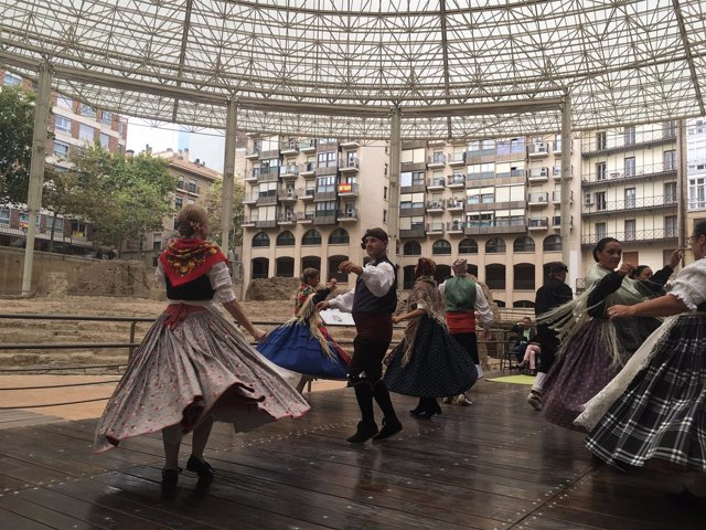 Espectáculo de Chusebinos Folk