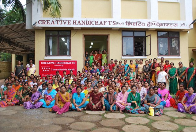 Mujeres que trabajan en Creative Handicrafts