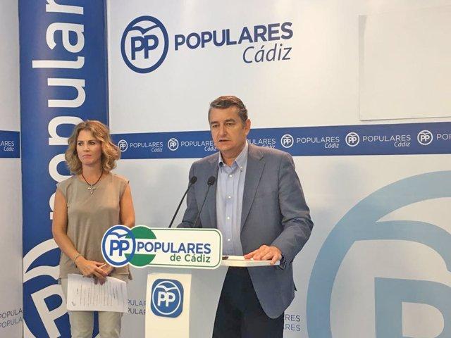 Antonio Sanz y Ana Mestre en rueda de prensa
