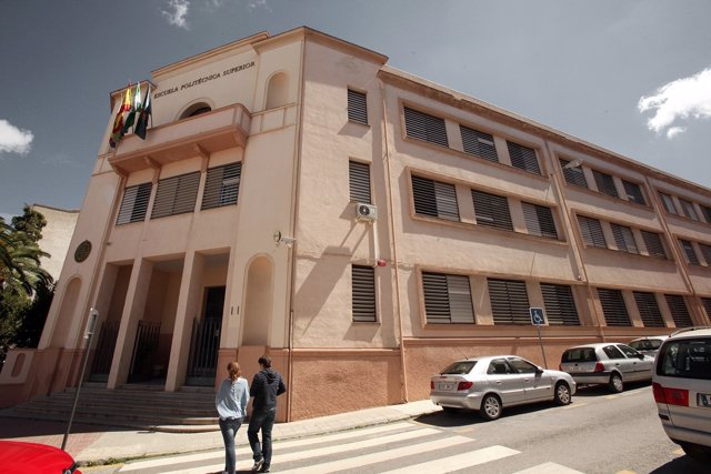 Antiguo edificio de la Escuela Politécnica Superior de Linares.