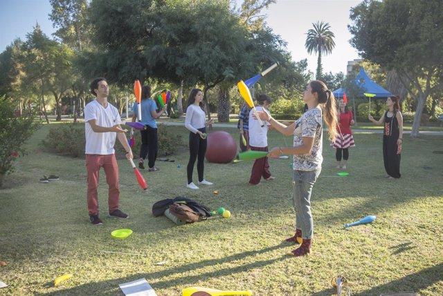 Maniobras circenses málaga jarrón club circo habilidades mayores y jóvenes