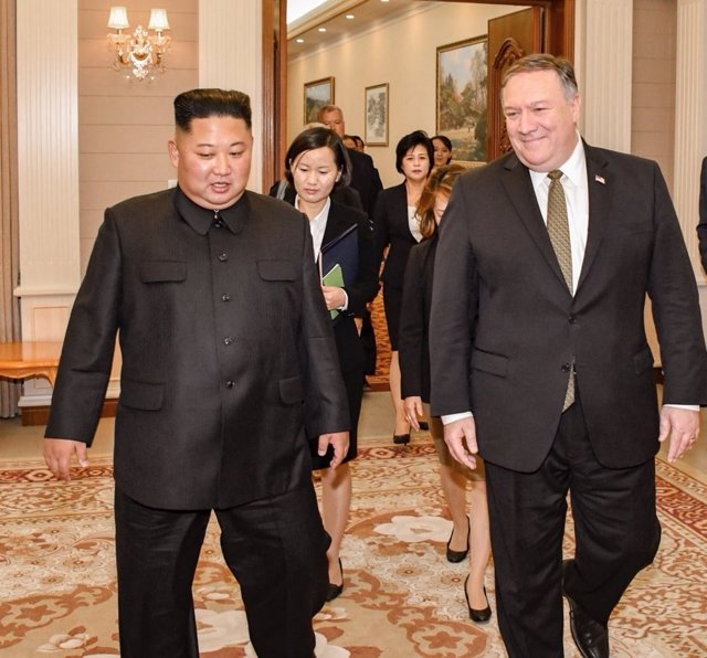 Kim Jong Un y Mike Pompeo
