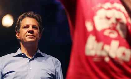 Haddad busca recortar distancia con Bolsonaro enviando una carta al pueblo brasileño a escasas horas de las elecciones