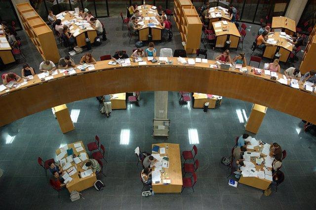 Biblioteca General de la UMA, estudiantes