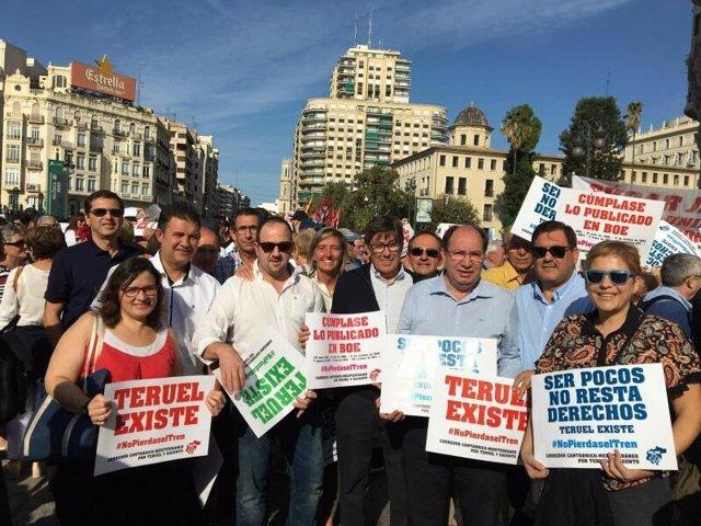 Miembros del PAR este domingo en Valencia.