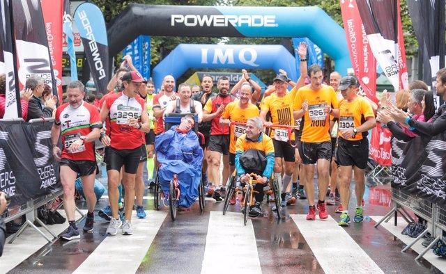 Foto de llegada de la carrera solidaria III Gernika-Bilbao Running