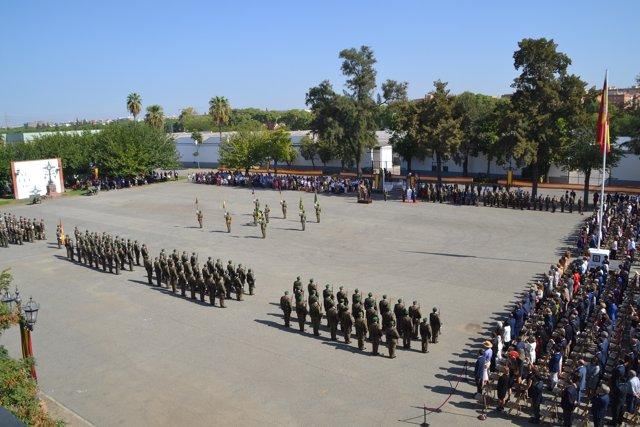 Jura de bandera para personal civil en Torreblanca, en Sevilla