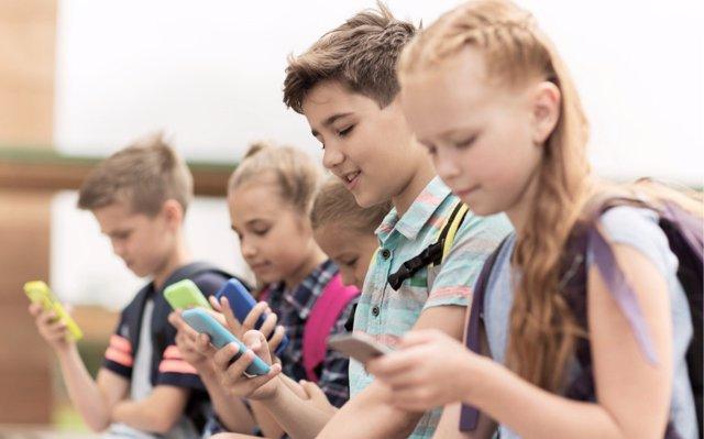 Prohibir los smartphones no es la solución al uso de las nuevas tecnologías en clase