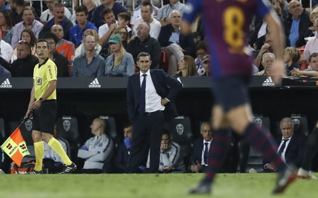 El entrenador del FC Barcelona, Ernesto Valverde, en Mestalla