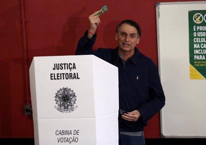 Los sondeos a pie de urna muestran un fuerte apoyo a Bolsonaro y pronostican su victoria en las presidenciales