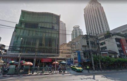 Mueren dos turistas en un tiroteo cerca de un centro comercial en Bangkok