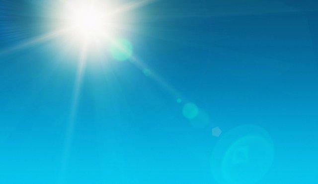 Sol, cielo despejado, calor, verano