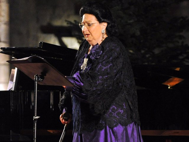 Montserrat Caballé, ingresada