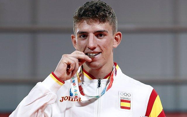 El judoca Javier Peña con su bronce de los JJ.OO de la Juventud de Buenos Aire