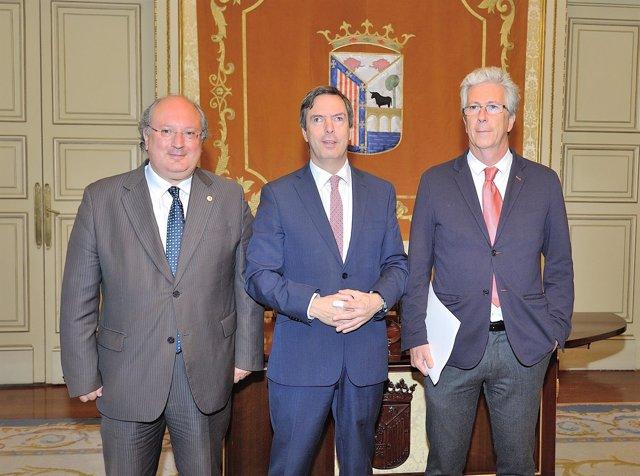Enrique Cabero, Enrique Sánchez-Guijo y Pedro Sangro, de izda a dcha.