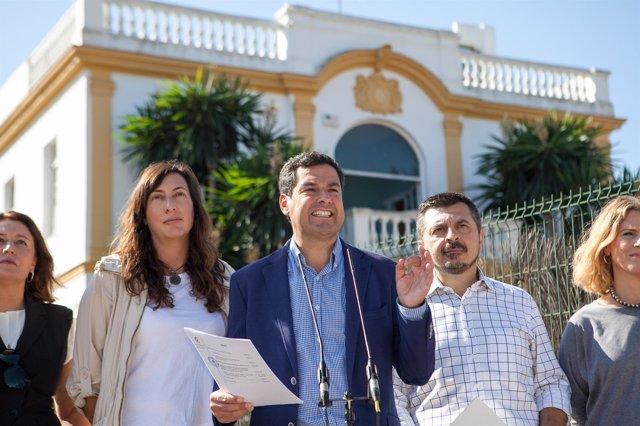 Juanma Moreno a las puertas del 'Don Angelo'
