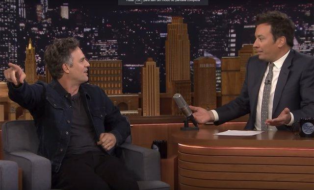 Mark Ruffalo con Jimmy Fallon