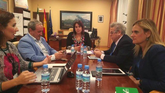 Reunión de miembros del Gobierno con la Junta y la Fempex