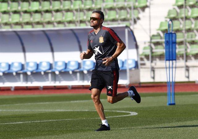 Luis Enrique entrenando con la selección