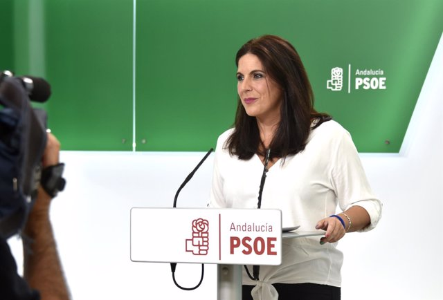 La secretaria de Formación y Nuevos Afiliados del PSOE-A, Ángeles Férriz
