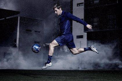 Griezmann y Agüero, imagen del lanzamiento de las nuevas botas de Puma