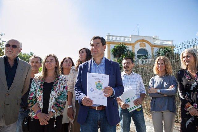 En Sevilla, rueda de prensa del presidente del PP-A, Juanma Moreno. Ante el edi
