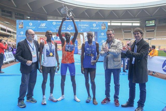 Entrega de premios de la Maratón de Sevilla