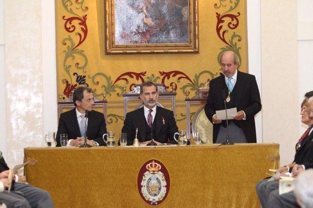 El Rey preside la apertura del Curso de las Reales Academias