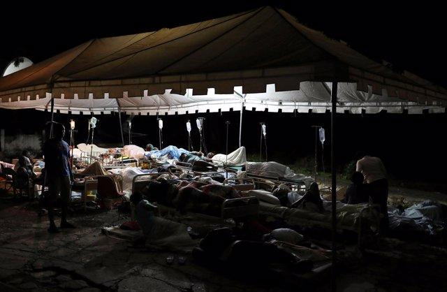 Centro de atención a las víctimas del último terremoto en Haití