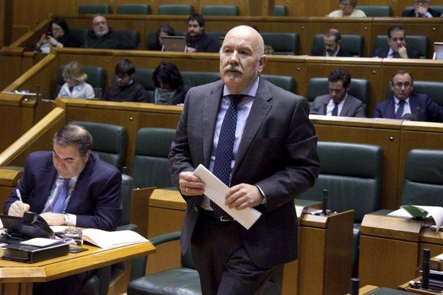 Foto de archivo de Iñigo Iturrate en el Parlamento Vasco