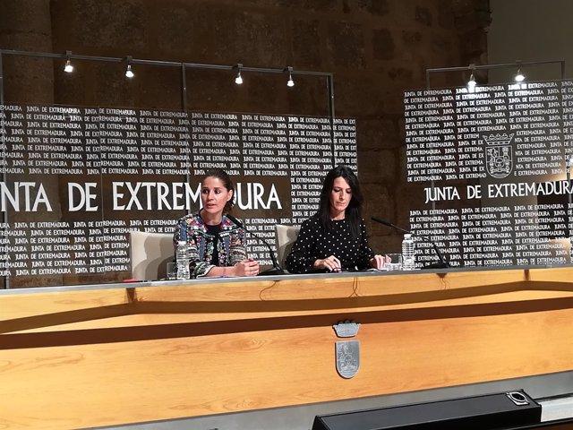 Gil Rosiña y Esther Gutiérrez en rueda de prensa este martes en Mérida