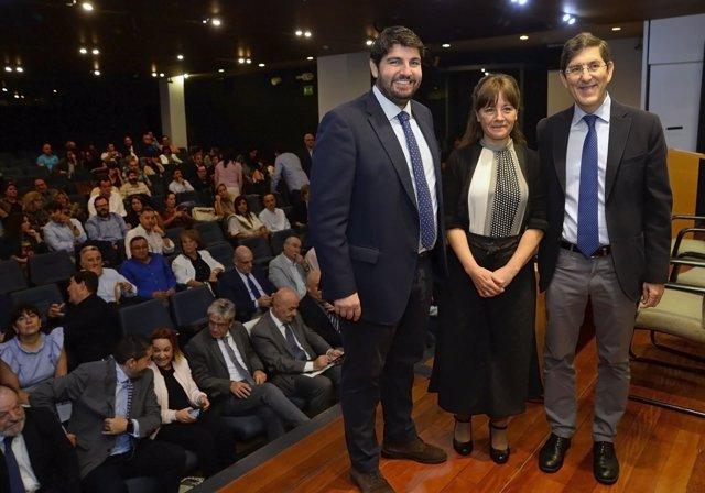 Fernando López Miras, A La Izquierda, Durante El Acto
