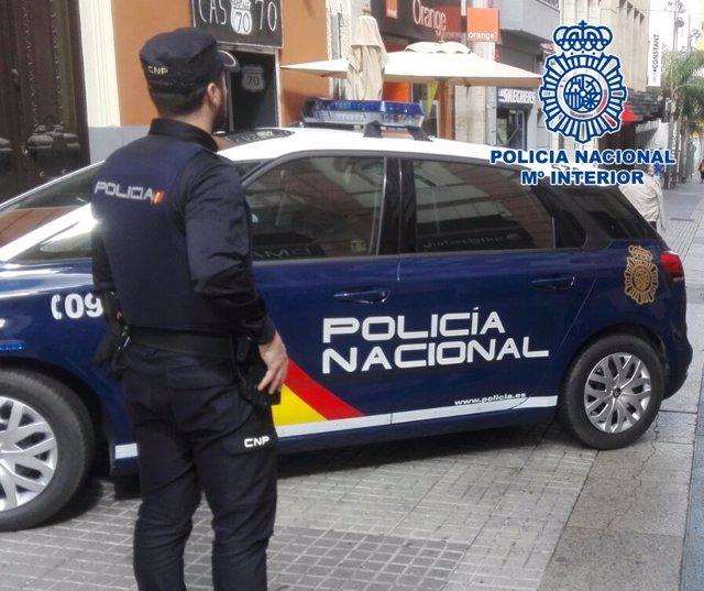 """[Grupocanarias] Nota De Prensa """"La Policía Nacional Detiene A 2 Hombres Por Un R"""