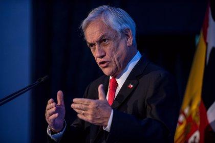 """Piñera alaba el programa económico de Bolsonaro y ve """"muy posible"""" que gobierne Brasil"""