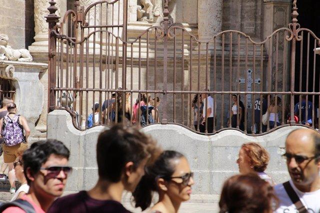 Catedral de València, entrada, puerta, iglesia, turismo, valenciana