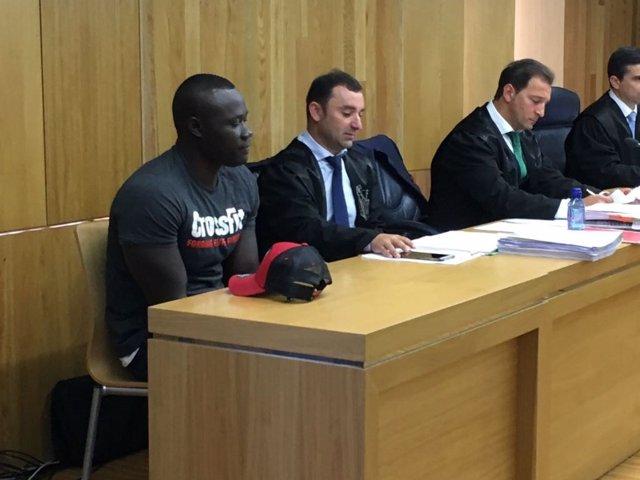 Ibrahima N., el acusado del crimen de Tatiana en el banquillo