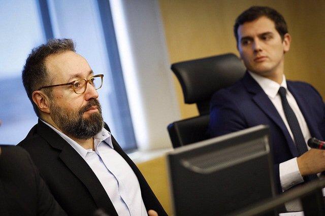 El portavoz de Ciudadanos en el Congreso, Juan Carlos Girauta, con Albert Rivera