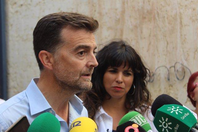 Antonio Maíllo y Teresa Rodríguez, en declaraciones a los medios