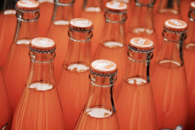 Refrescos, botellas, chapas