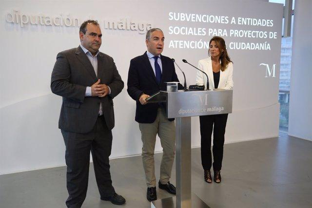 El presidente de la Diputación, Elías Bendodo, en rueda de prensa
