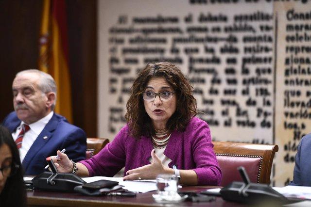 La ministra de Hacienda, María Jesús Montero, comparece en el Senado